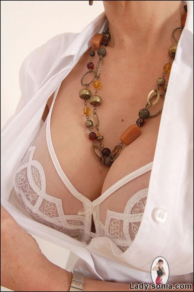 lingerie Nylons milf 7L-682x1024