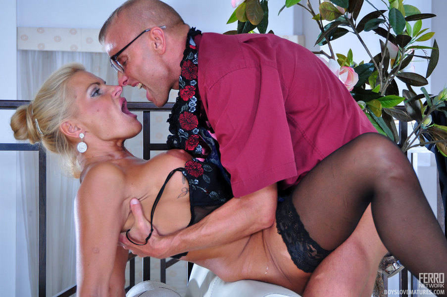love mature dans love mature boyslovematures_g5230_072